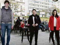 PASO. Martín Lousteau, Martín Tetaz y Mariela Coletta, ayer en la Plaza Houssay de la Ciudad de Buenos Aires.