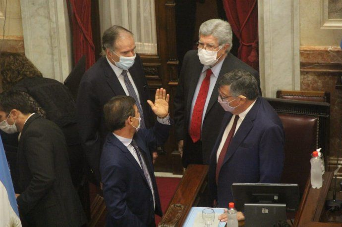 El Senado debate el Consenso Fiscal.