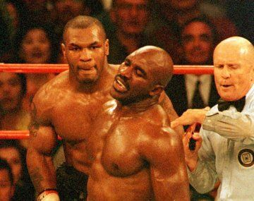 Evander Holyfield volverá a subirse al ring, con fines benéficos. Sus fanáticos ya le eligieron rival: Mike Tyson.