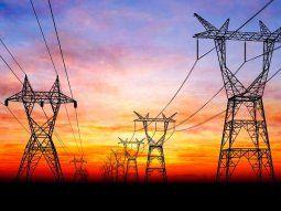 El sector industrial y de grandes comercios desplomó su demanda de electricidad 7,8% interanualmente.