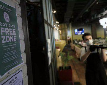 Los restaurantes de Moscú pedirán certificados anticovid para ingresar.