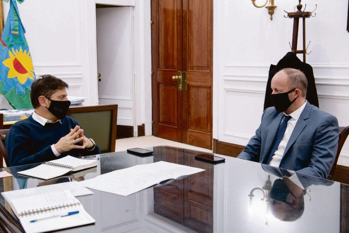 Equipo. Cristina Alvarez Rodríguez al Ministerio de Gobierno de Axel Kicillof, junto a Martín Insaurralde, como jefe de Gabinete, quien ayer mantuvo una larga reunión con el gobernador para aceitar el traspaso (foto), y Leonardo Nardini, que desde Malvinas se suma como ministro de Insfraestructura.