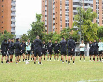 La selección argentina entrenó en Venezuela.