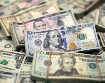 Dólar: mejor que desdoblar es devaluar y compensar