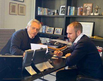 Alberto Fernández y Martín Guzmán. (Foto de archivo).