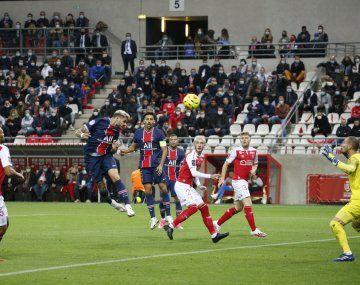 Mauro Icardi convirtió dos goles en el triunfo de PSG ante Reims.